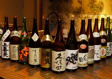 日本酒 食中酒に最適な全国各地の地酒 当店の日本酒は全国各地の銘柄を取り揃えて... 新宿の居酒