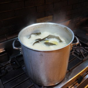 西新宿 居酒屋 旅籠の水炊き鍋で温まりませんか!?