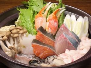 西新宿で蟹入り海鮮鍋を囲み新年会は、いかがでしょうか?