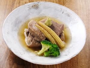 ゴールデンウイークは、西新宿旅籠の板前手作り牛タン柔らか煮は、いかがですか?