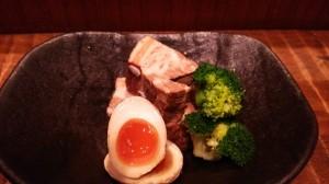 西新宿個室居酒屋旅籠で夏の冷たいお酒と豚の角煮は、いかがでしょうか?