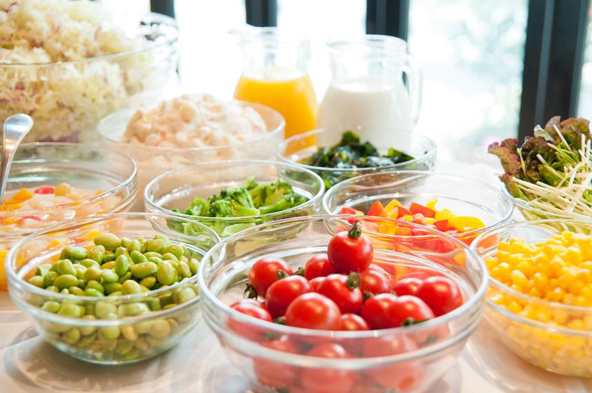 出張・観光の連泊でも安心!選べる朝食付き「6品目の健康和食・素材にこだわった洋食」<ハーフバイキング付>