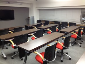 受験でのご宿泊は、会議室をご利用いただけます。新宿駅西口徒歩3分かどやホテル。