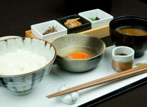 東京観光・家族旅行に!朝食・モーニング付プラン(卵かけご飯)のご紹介。新宿かどやホテル