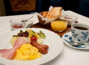 東京観光・家族旅行におすすめ!朝食・モーニング付プランのご紹介。新宿かどやホテル